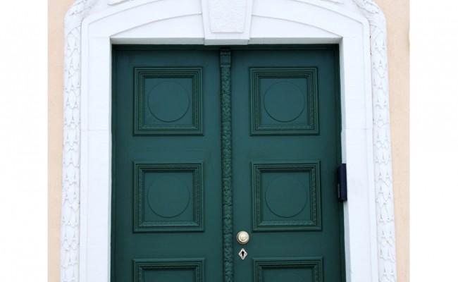 Haustürrestauration nach historischem Vorbild von Ratz & Pschera GmbH in Meisterqualität