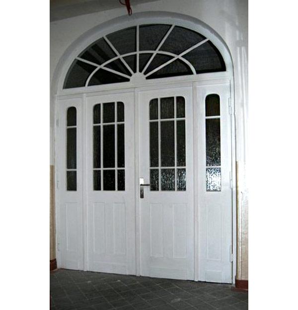 Sanierung Türen Schulhort Erlbach