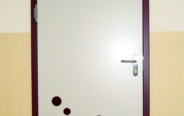 Türen für die Grundschule in Erlbach