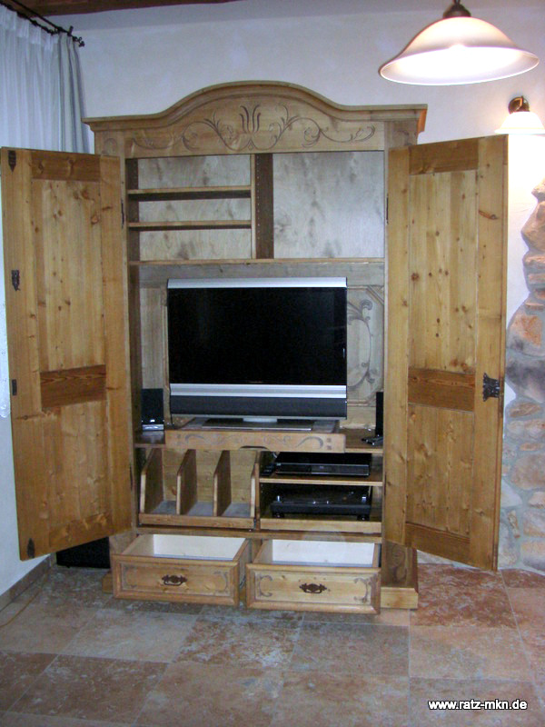 Bauernschrank-video-audio-tv-03