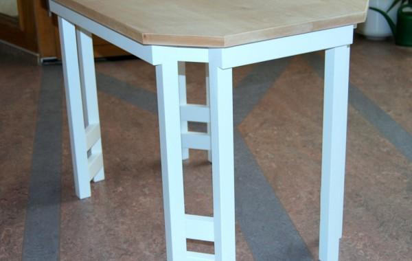 Tisch für die Diele