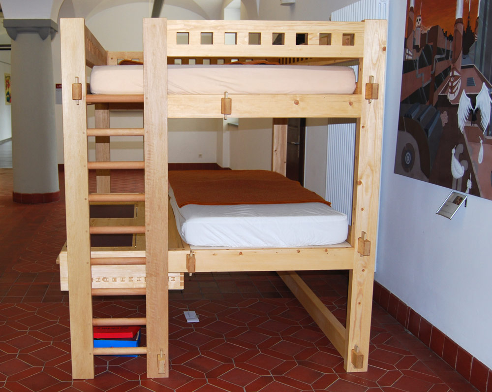 Hochbett Etagenbett Mit Schreibtisch : Hochbett etagenbett mit schreibtisch