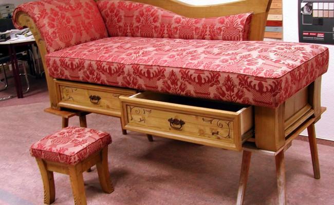 Recamiere, Hocker, Sessel und Tisch – Sonderanfertigung