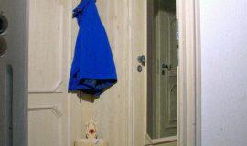 Garderobe im Bauernhausstil