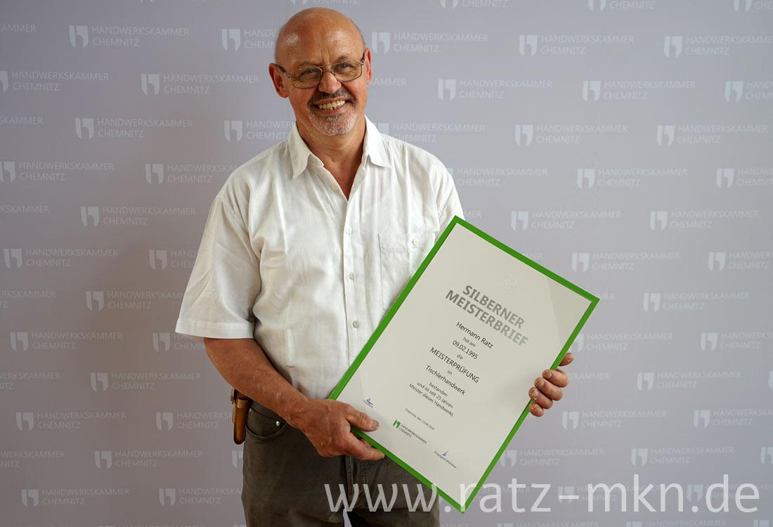 Silberner Meisterbrief Tischlerhandwerk für Hermann Ratz