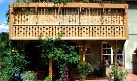 Anbau Holz-Balkon und Terrassenüberdachung